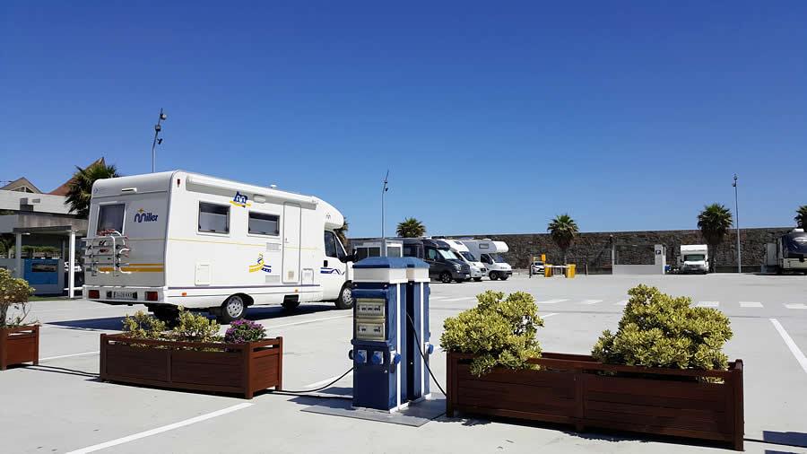 Párking Caravanas Marina Coruña
