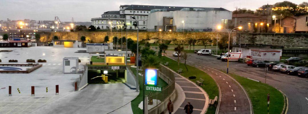 Parking Marina Coruña - Entrada